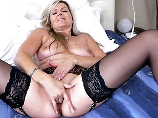 Lonely Housewife Velvet Skye Is Masturbating Moist And Whorish Twat