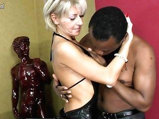 Hot Mummy Loving Xxx Interracial Romp - Maturenl