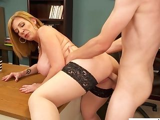 Matures Accountant Sara Jay Is Fucked By Youthfull Co-employee Right On The Table