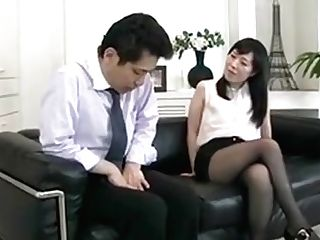 Sexy Nymph Instructing Oral Job