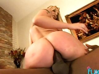 Phat Ass Milky Girl Blonde Gets Intimate With Hot Blooded Black Stud