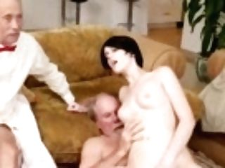 Sexy Teenage Masturbating And Squirting Hd Alex Harper Answers The Advertisement That