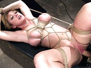 Tied Up Matures Huge-boobed Hooker Dee Williams Gets Her Twat Penalized