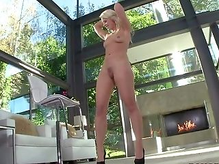 Blonde Anikka Albrite Has Amazing Assets And Unthinkably Sexy Bubble