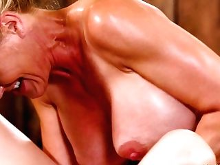 Memorable Gash Rubdown By Lezzie Masseuse Jill Kassidy