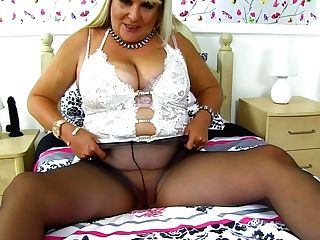 Chunky Mummy Christina X Knows How To Use A Fuck Stick