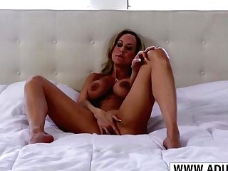 Beautiful Step Mommy Brandi Love Gives Breastjob Good Her Son-in-law