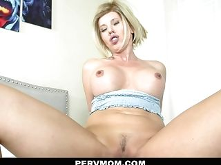 Amber Chase In Disrobed To Amaze - Pervmom