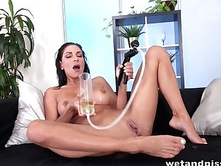 Czech Bitch Rachel Evans Pisses In Her Underpants And Loves Pumping Her Muff