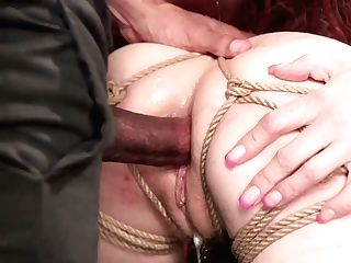 Ample Titted Bombshell Syren De Mer Is Fucked In Public