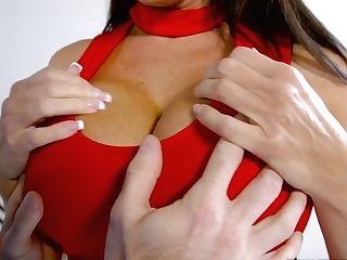Big Tits Cougar Reagan Foxx  Gives Head Job